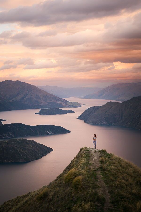 The best hikes on New Zealand's South Island, with lots of photography! #hiking #NewZealand
