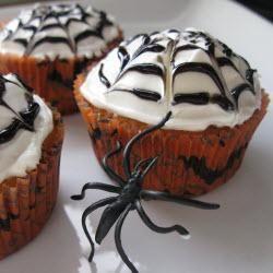 Cupcakes araignées au chocolat blanc @ allrecipes.fr