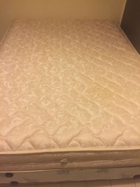 Used queen mattress Pillow Top Very Comfortable Clean Queen Mattress With Ensemble For Sale Used In Guest Room But Pinterest Very Comfortable Clean Queen Mattress With Ensemble For Sale Used