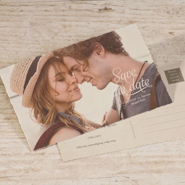 Save the date postkaart met kartelrand | Romantische foto