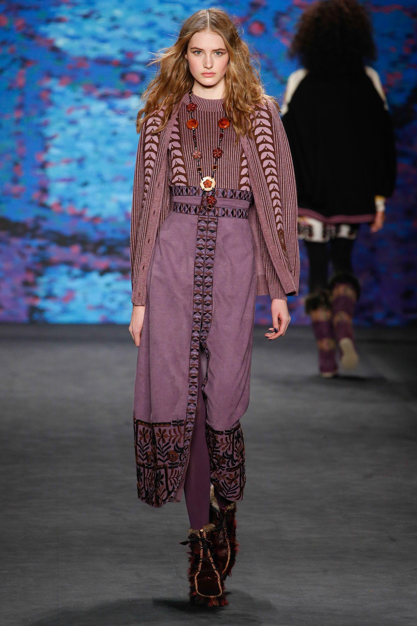 f018da6d6d5 Anna Sui Fall 2015 Ready-to-Wear Fashion Show