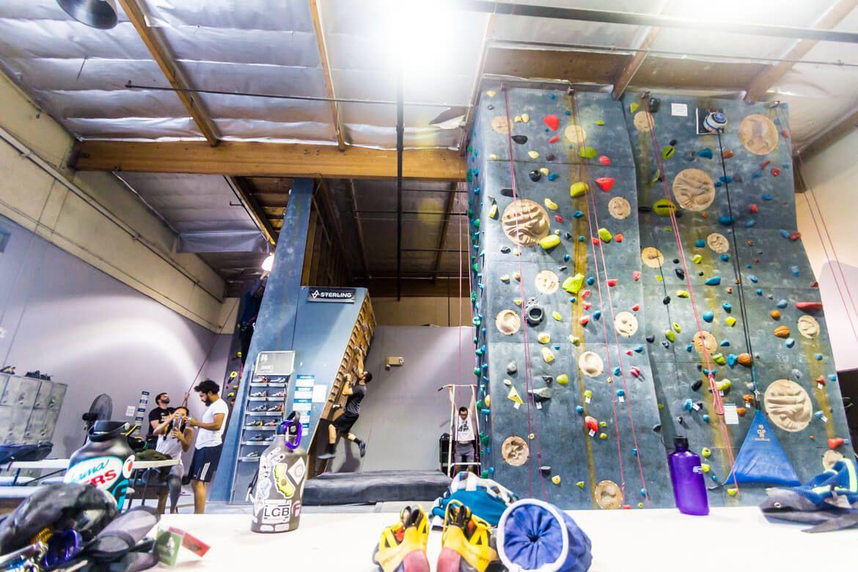Hangar 18 Long Beach Rock Climbing Gym In Los Angeles Southern California Beta Together