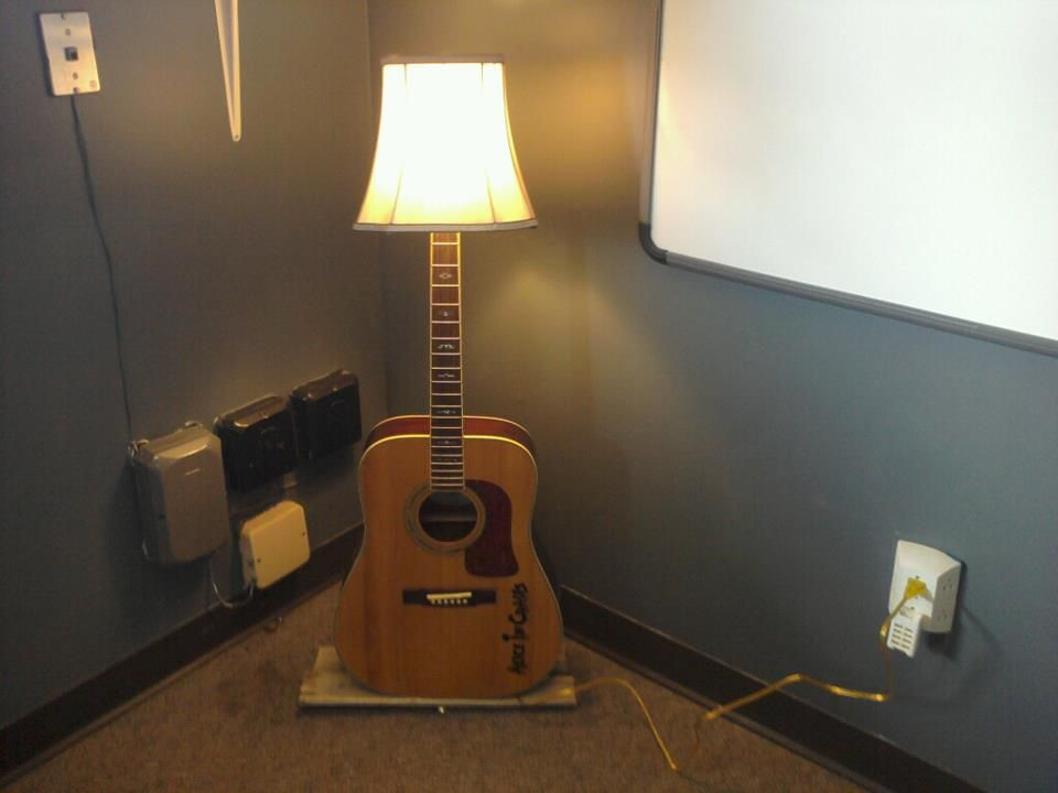 Broken Guitar Turned Into Lamp Craft Ideas Pinterest Guitars Lampshade Ideas And Room