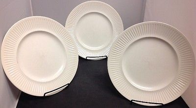 Set of 3 Johnson Brothers  Athena  10 1/8  Dinner Plates & Set of 3 Johnson Brothers