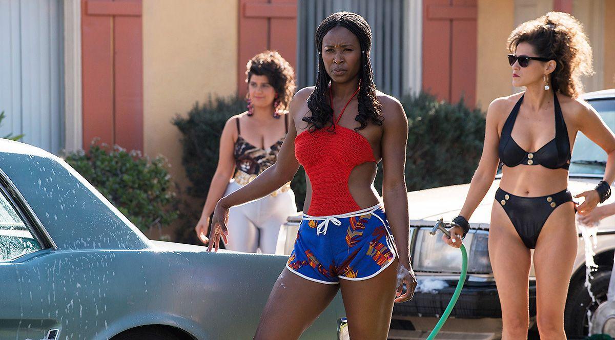 Sydelle Noel 7 Reasons Sydelle Noel Rocks the Screen on 'GLOW'   Muscle fitness