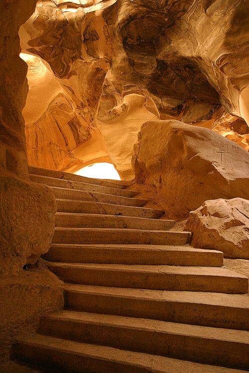 Stairway inside the caves of Beit Guvrin National Park, Israel (by elroyie).