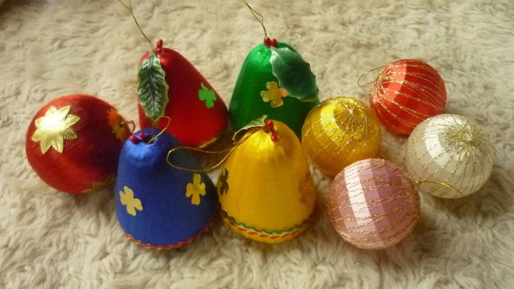 Ebay Christmas Baubles.Vintage 80s Christmas Decorations Silk Thread Bell Ball