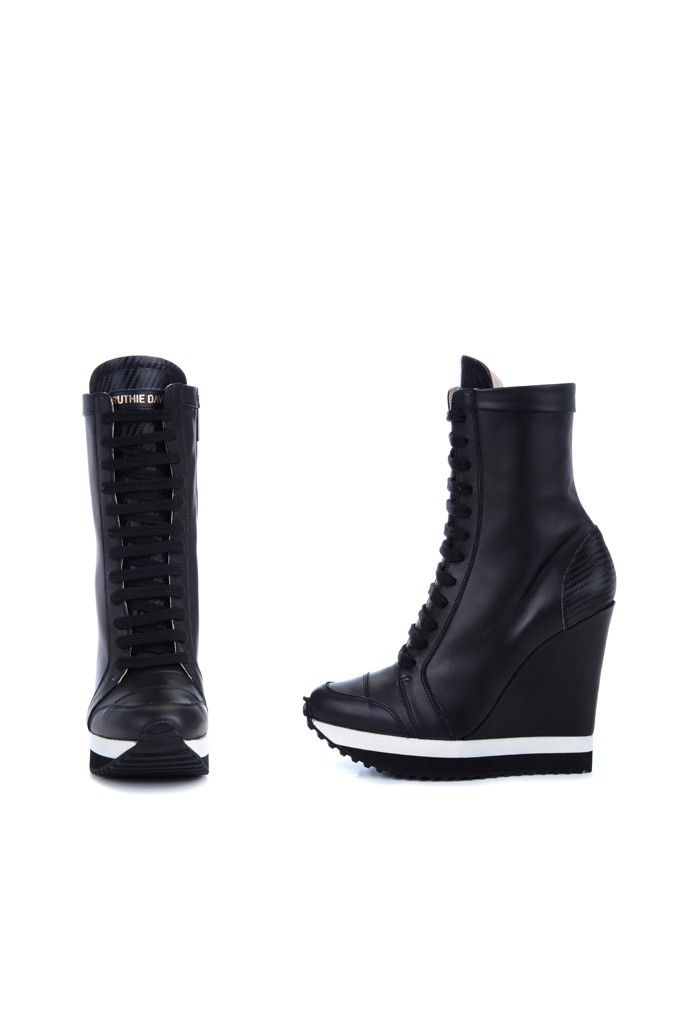 e445b11908ab A longtime advocate of the fashionable sneaker
