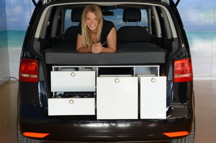 vw touran mit vanessa campingausbau vw touran camper. Black Bedroom Furniture Sets. Home Design Ideas