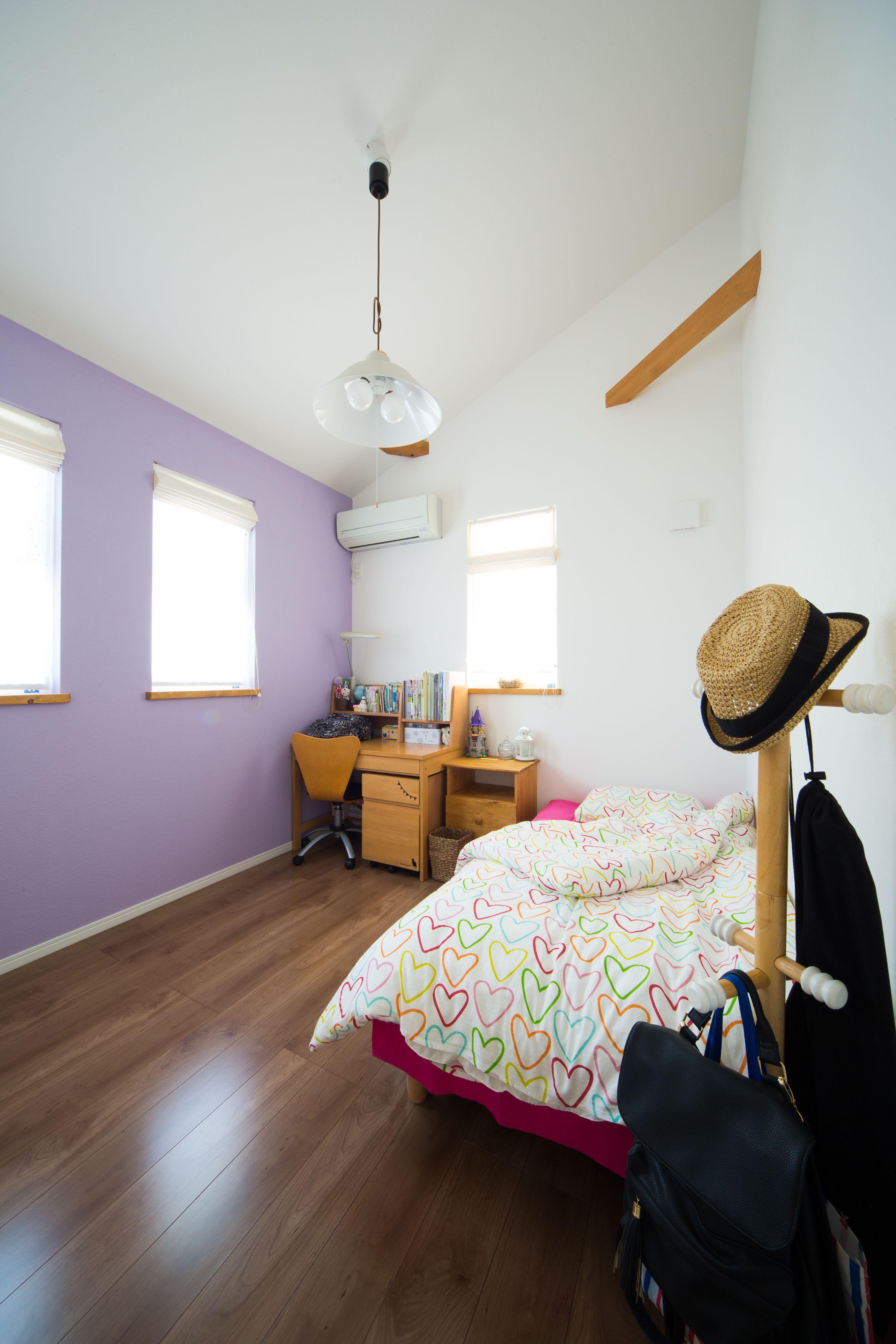 子供部屋のクロスは可愛いラベンダー色にしました 子ども部屋 壁紙