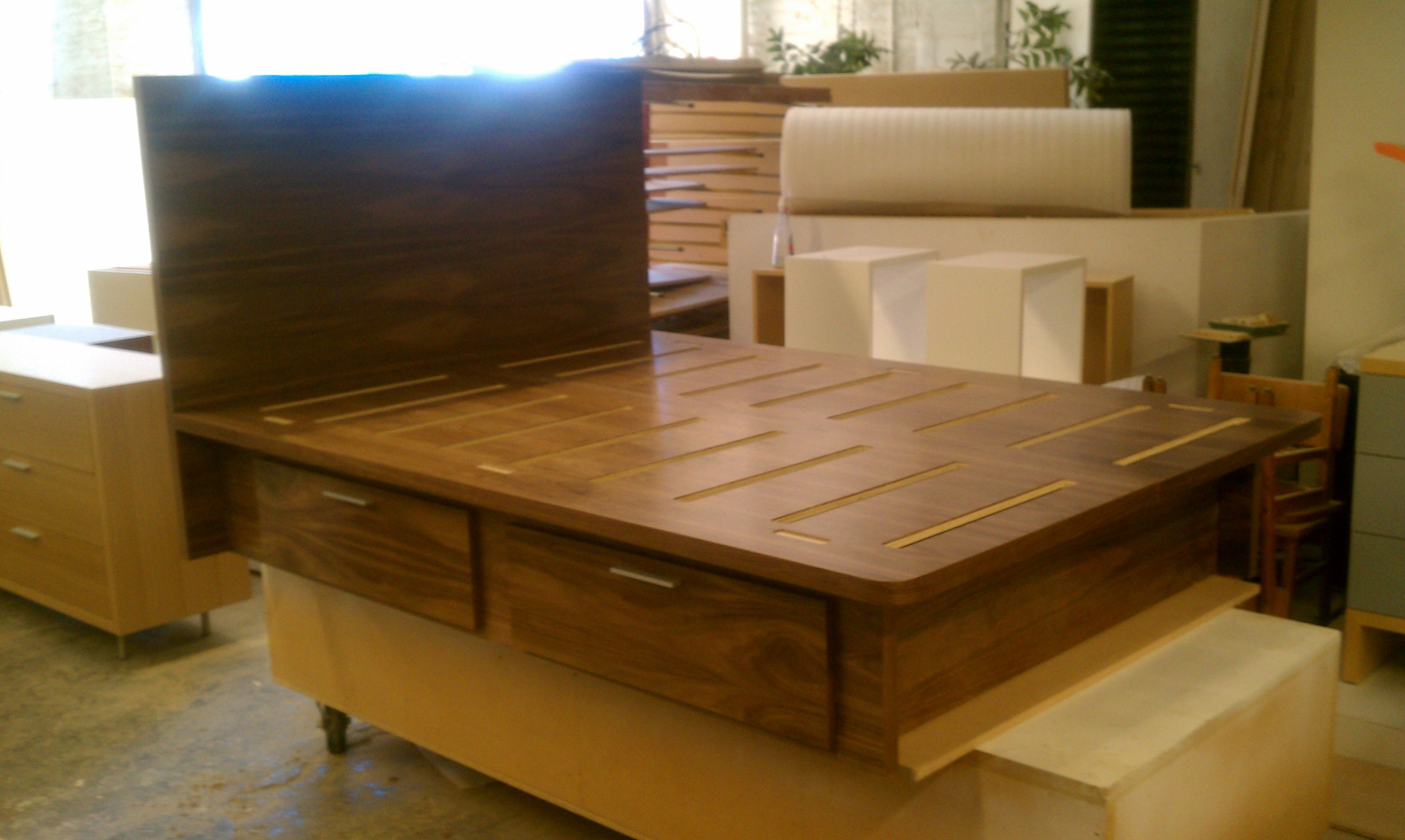 Platform bed, queen size, walnut veneer with 4 standard