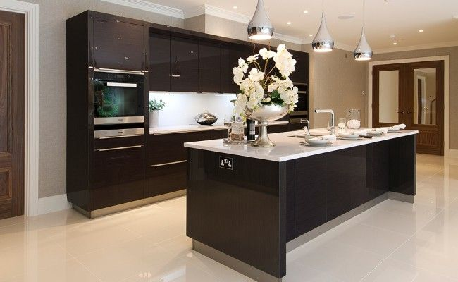 Kitchen Hob Side View ~ Hi gloss lacquer and white storm quartz side view