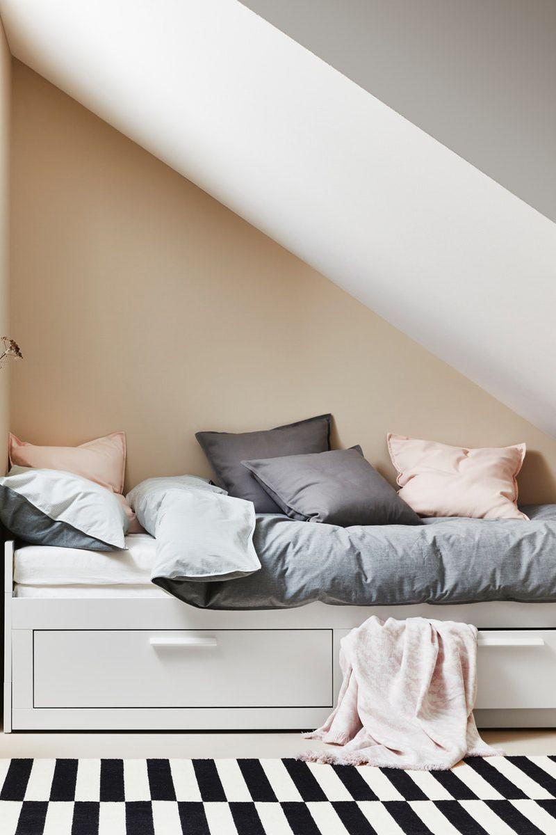 Einrichten Mit Dachschräge Brimnes Tagesbettgestell Mit 2 Schubladen Small Room Decor Ikea Design Bedroom Design Inspiration