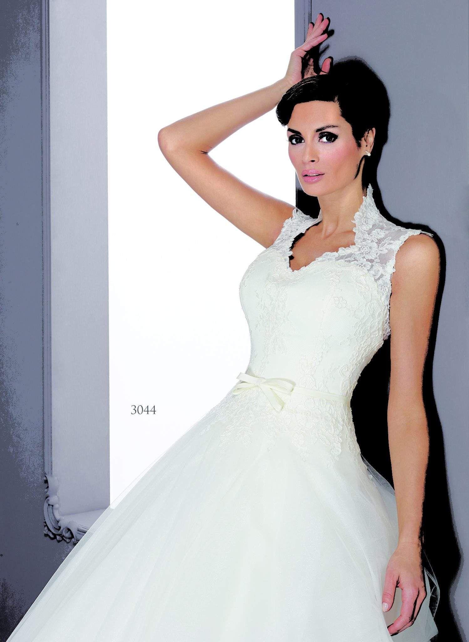 Silk Queen Anne Collar Bridal Gowns - Darius Cordell Fashion Ltd ...