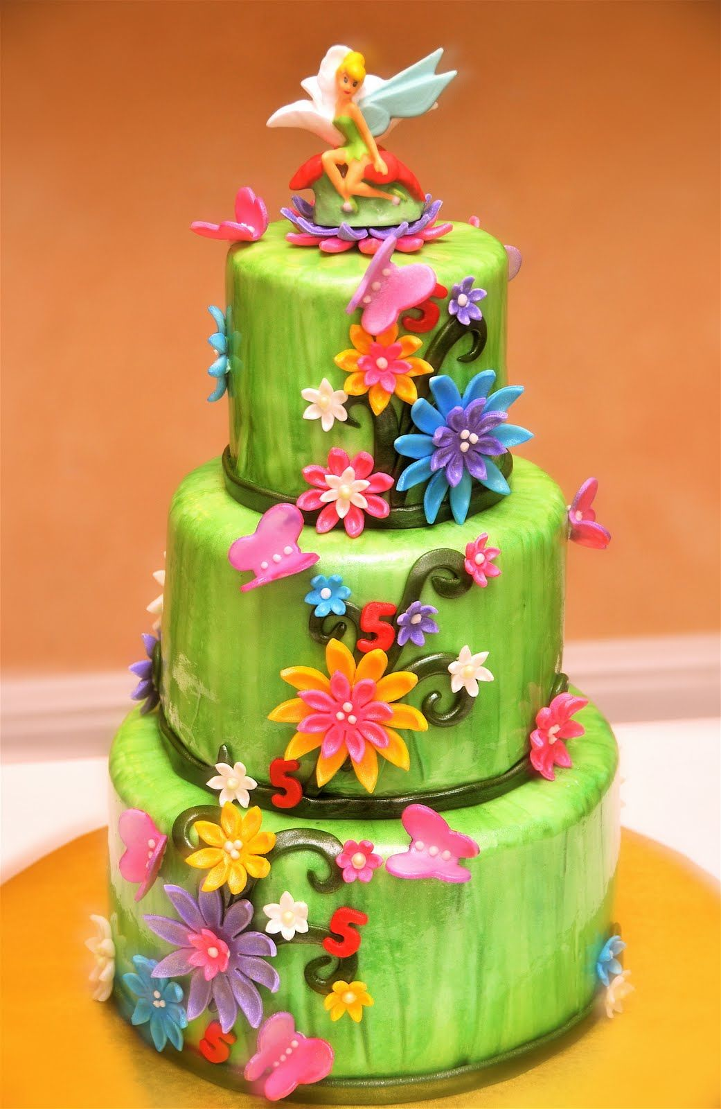 Pixie hollow birthday cakes the adventures of baking decorating and eating cakes by angie - Decoration gateau fee clochette ...