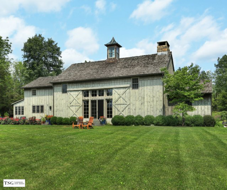 Firefly Farm Was Transformed From A Circa 1850 Pennsylvania Barn Into A Luxurious Open Concept Reside Pool Barn House Barn Renovation House Architecture Design
