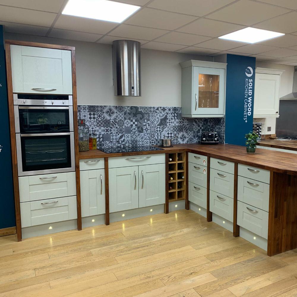 ExDisplay Kitchen Showroom Set Walnut Worktops, Mizzle
