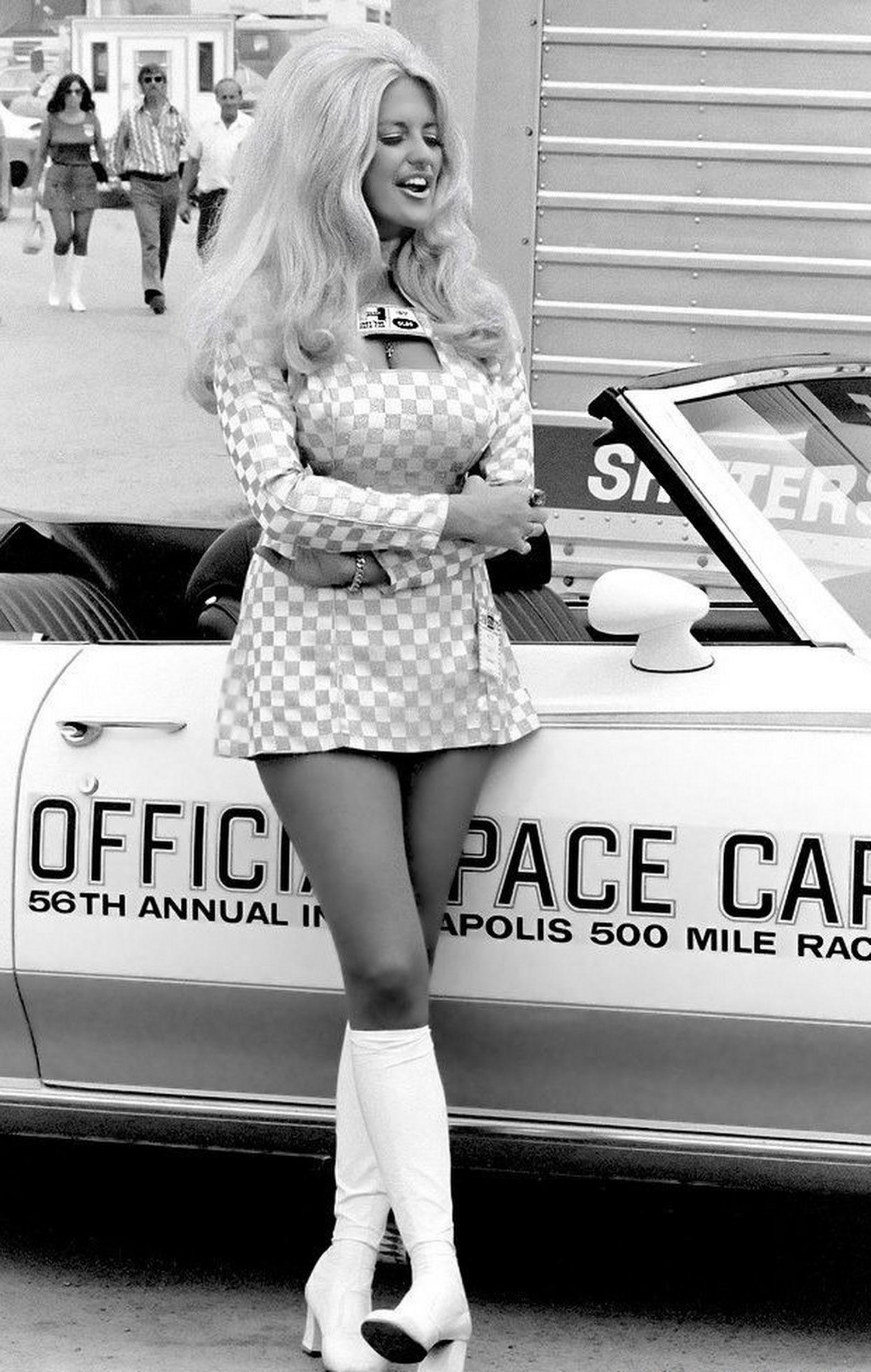 Vintage Miss HURST Shifter Linda Vaughn Color Snapshot