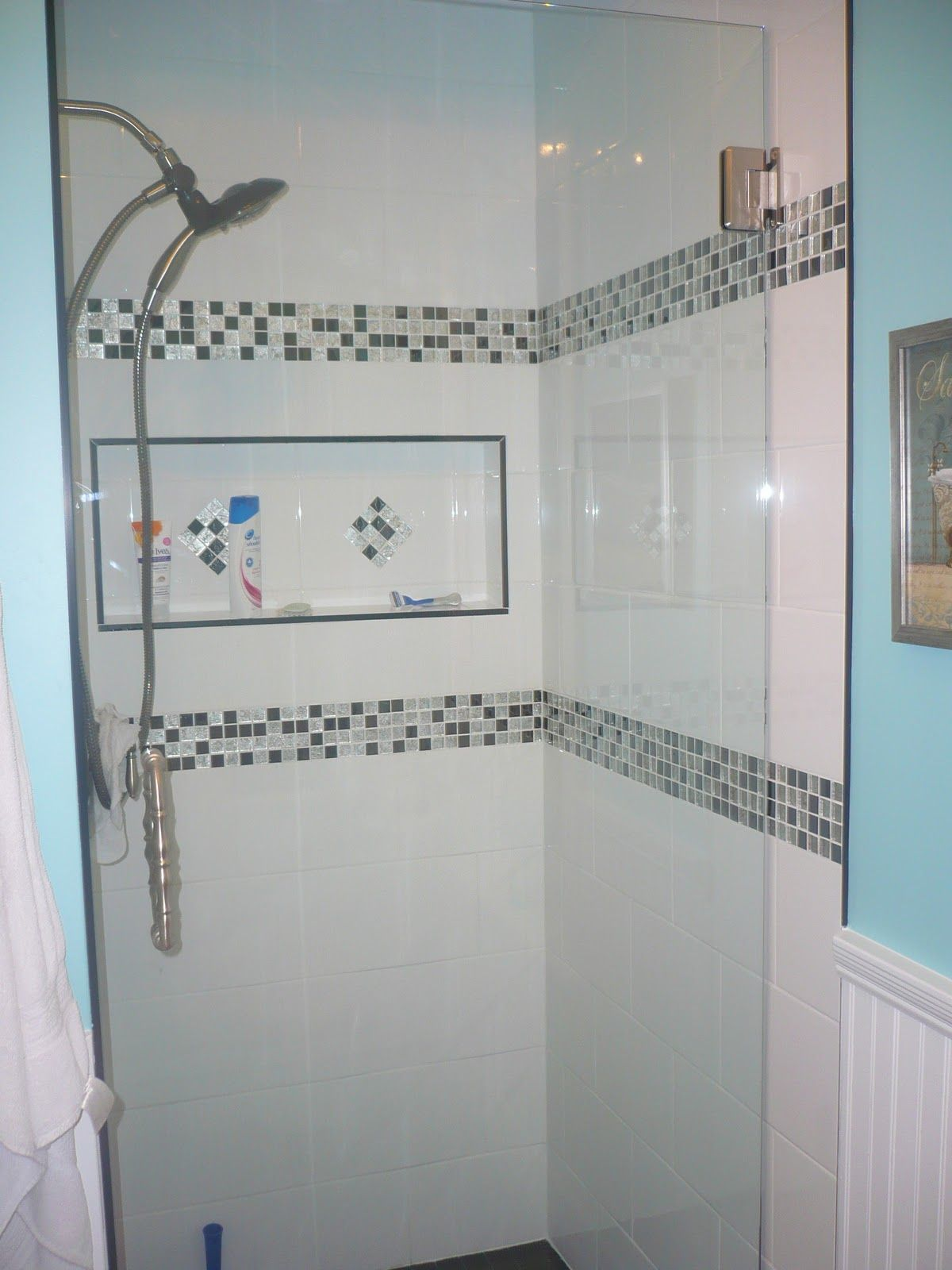 Bathroom Designs Using Subway Tile 2 bands composed of small squares; like the niche | bathroom