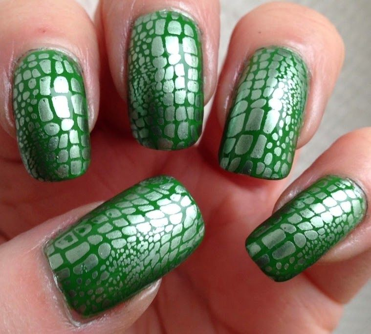 Little Miss Nailpolish: Green Reptile Nail Art | Makeup | Pinterest ...