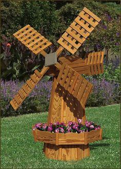 A Garden Windmill Is A Great Idea Idee Deco Jardin Decoration Jardin Idees Jardin