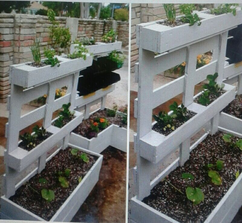 jardini re avec une palette les id es de clochette pallettes pinterest decking and plants. Black Bedroom Furniture Sets. Home Design Ideas