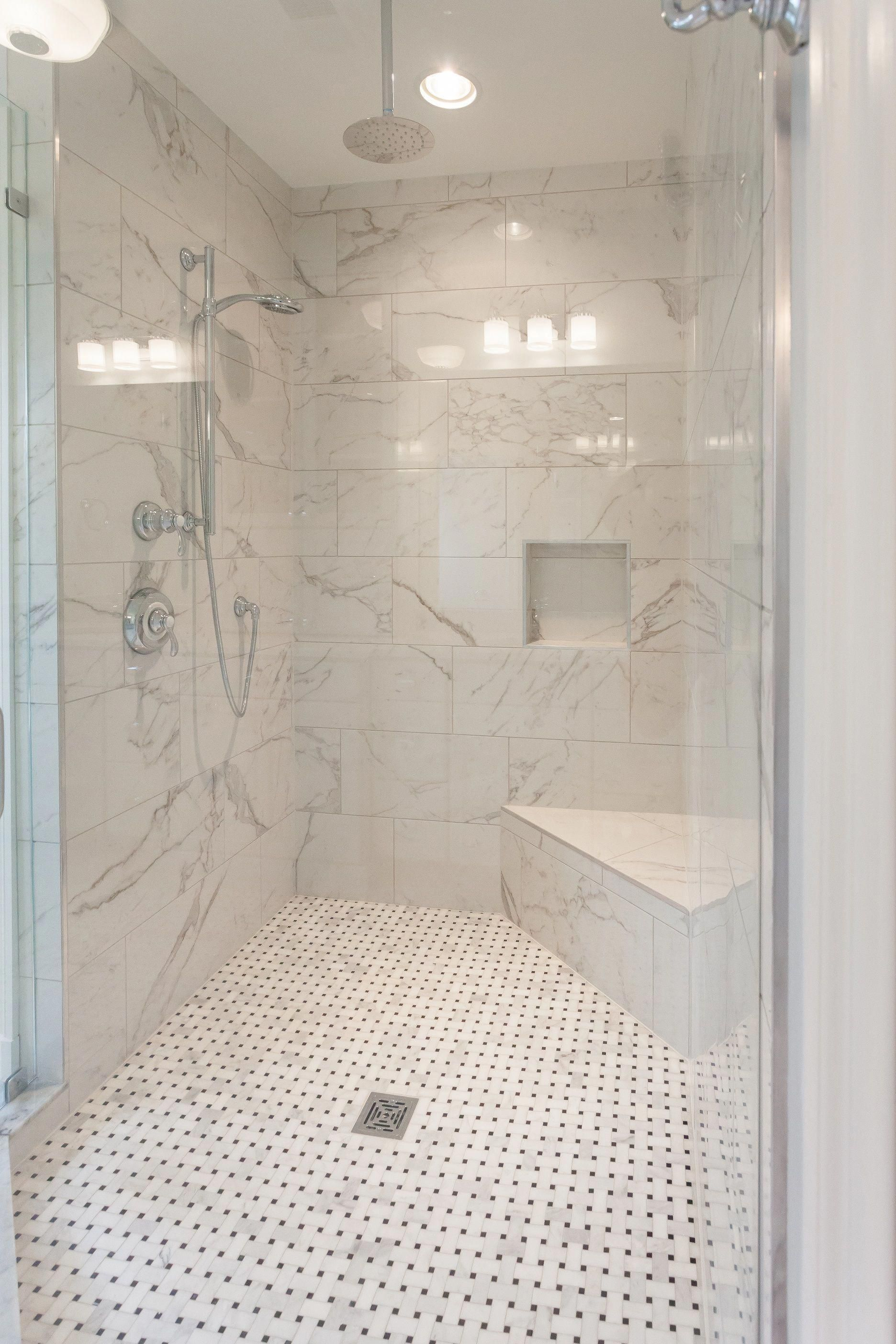 Best Walk In Showers In Small Bathrooms On A Budget Walkinshowerideas Showerideas Bathroomideas Corner Shower Seat Small Bathroom With Shower Small Bathroom