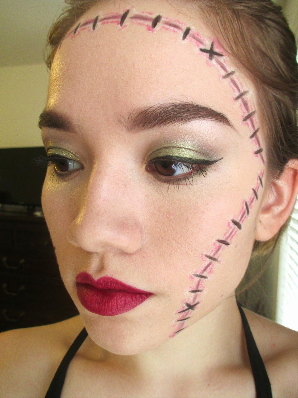 belle aMiki Easy, LastMinute Halloween Makeup Ideas