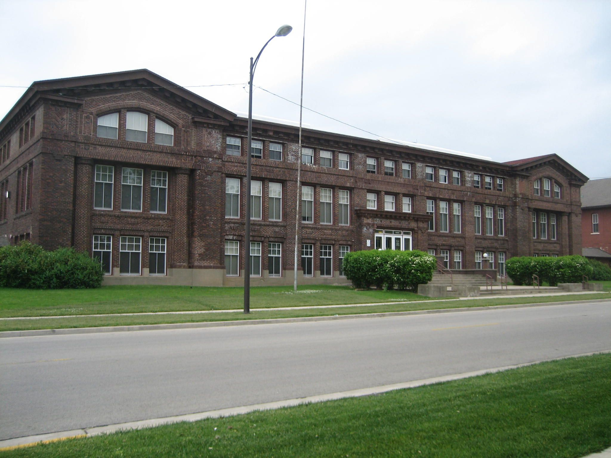 Belvidere Il Old Belvidere High School Was My Junior High School Building House Styles School Building
