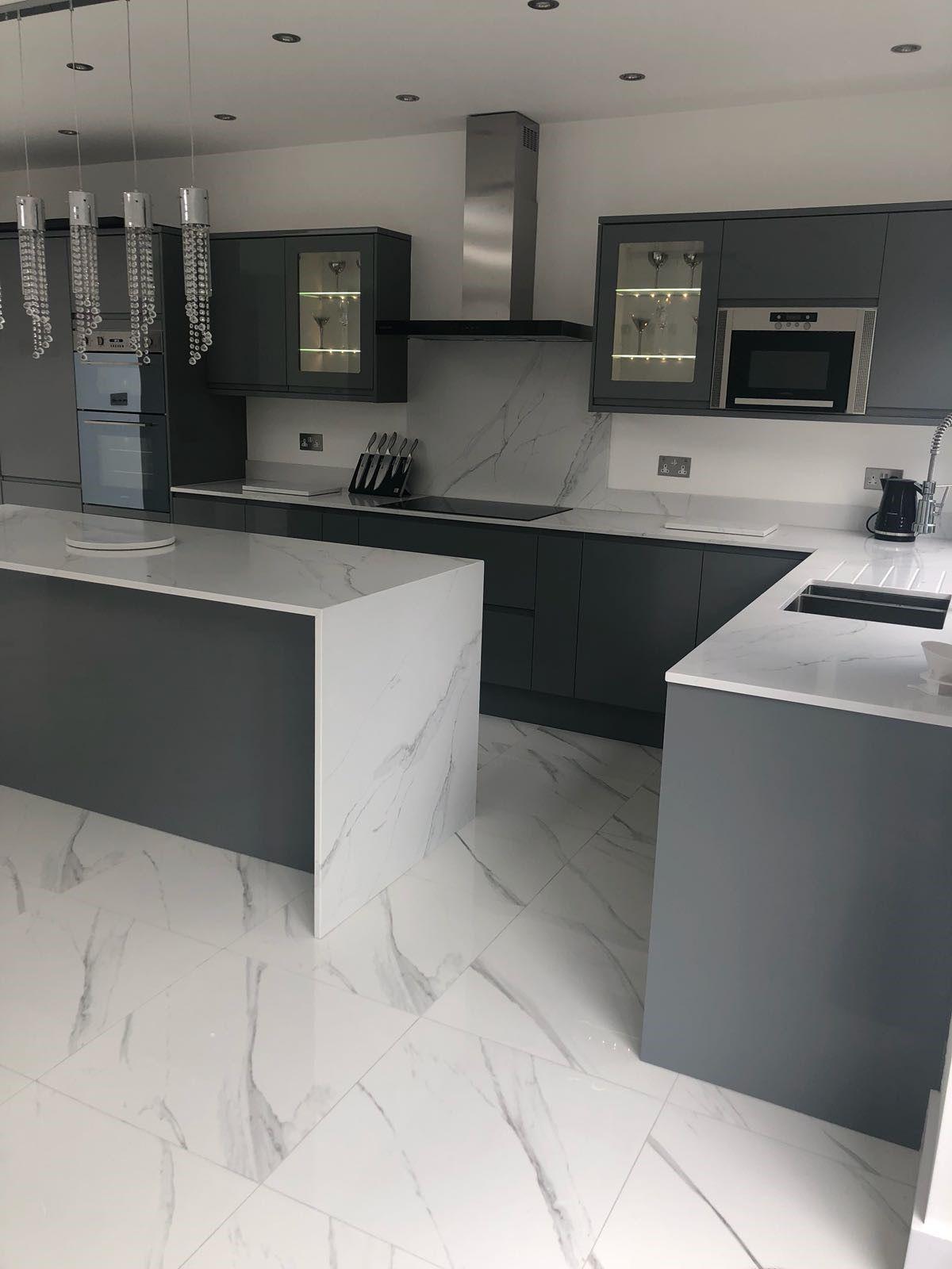 Stunning Compac Surfaces Marble Effect Unique Calacatta Quartz Kitchen Workto Kitchen Cabinets And Countertops Modern Kitchen Design Kitchen Inspiration Design