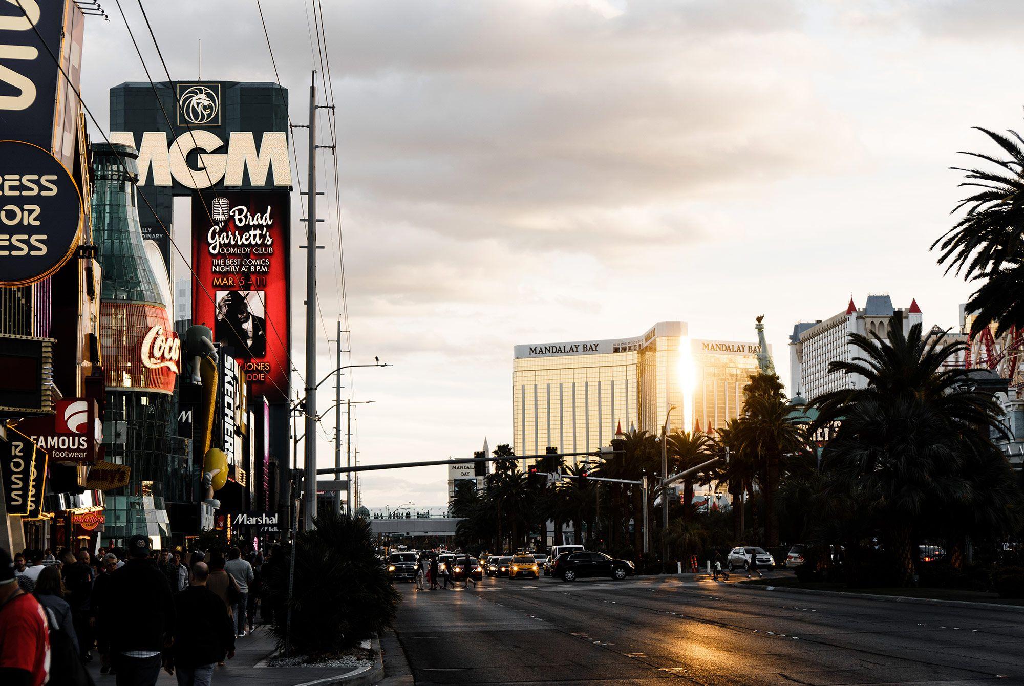 48 Hours of Beer Drinking in Las Vegas, Nevada Caribbean