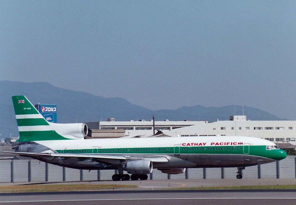Hong Kong S Flag Carrier Adopted This Livery With The Union Jack On The Tail In The 1960s Aircraft Images Lockheed Cathay Pacific