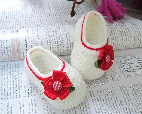 a08439255018 Red Flower Crochet Baby Booties Háčkované Čiapky