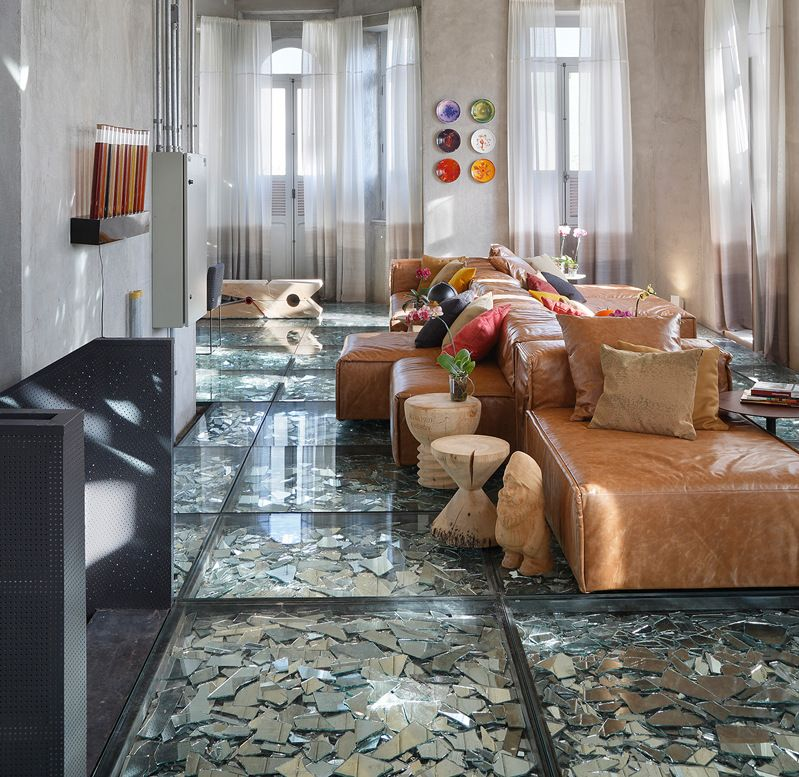 Begehbarer Glasboden im modern eingerichteten Wohnzimmer - moderne bodenbelage fur wohnzimmer