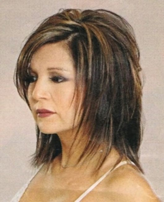 Medium Hairstyles With Bangs For Women Over 40 With Fine Hair Medium Layered Hairstyle Stra Short Shag Hairstyles Bangs With Medium Hair Medium Layered Hair