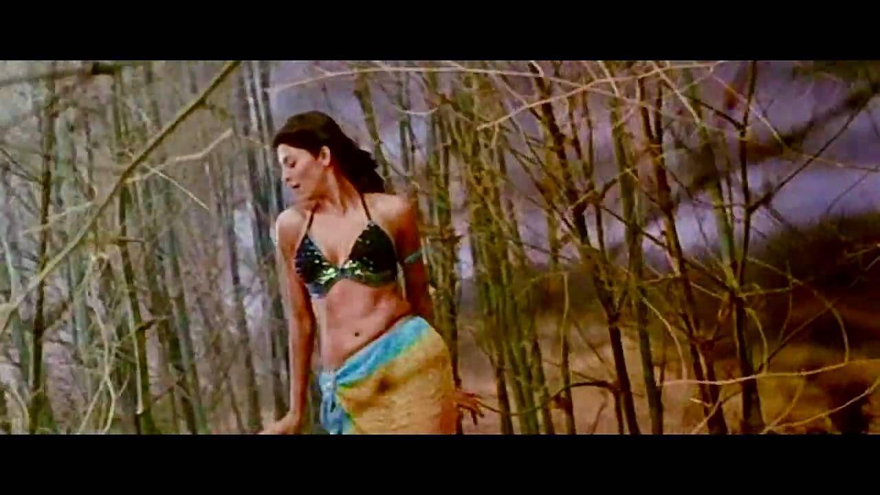 She's chhaliya chhaliya bikini can