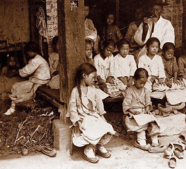 李氏朝鮮時代末期、1890年から1903年に西洋人が朝鮮を訪れて撮影した ...
