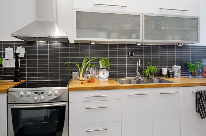 Decoraci n en blanco negro y gris dise o cocinas - Salpicadero cocina ikea ...