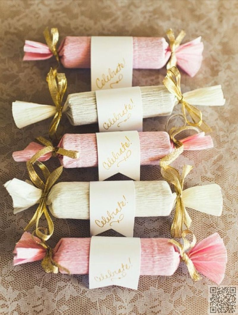Crepe Paper Party Crackers For Wedding Party Favors Include Mints