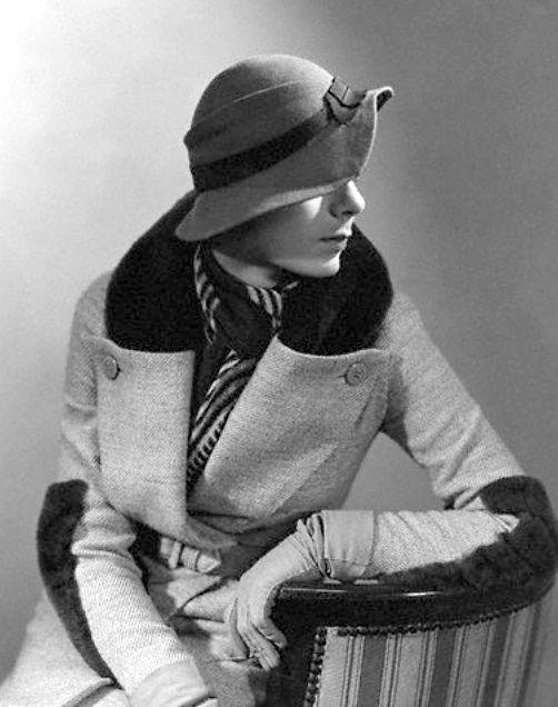 George Hoyningen-Huene, Model wearing hat Fur-trimmed coat by Lucien Lelong, 1929 © Condé Nast Archive/Corbis.