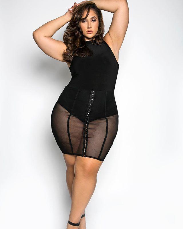 Bbw Hot Thick Chubby Curvy Plus Size Fat Women Outfits Fashion Ideas Sbbw Bikini Model Beautiful