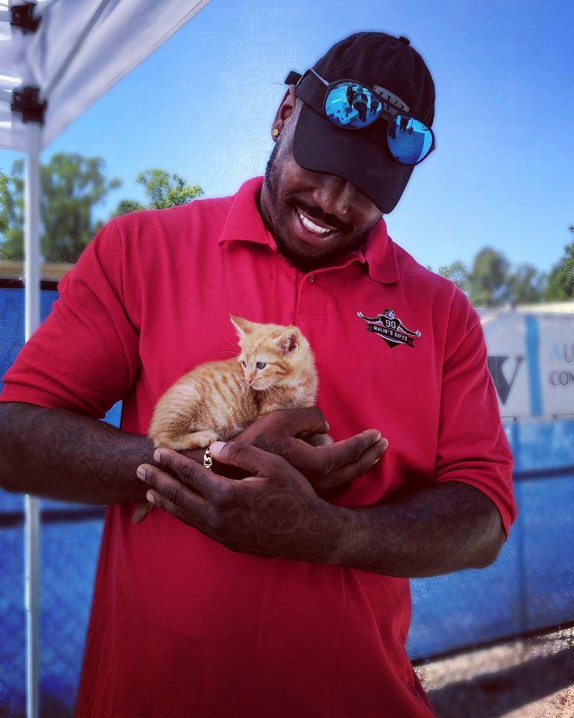 Jaguars' Malik Jackson Pays Adoption Fee for 181 Pets
