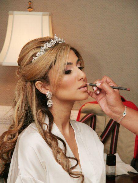 Afbeeldingsresultaat Voor Half Up And Half Down Wedding Hairstyles With Tiaras Bridal Hair Half Up Wedding Tiara Hairstyles Wedding Hair Down