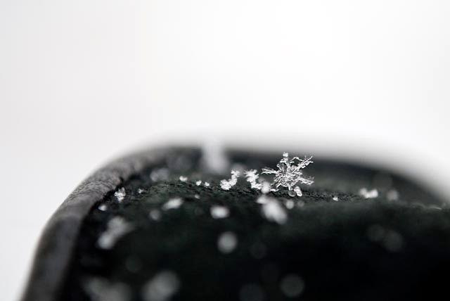 Snowflake on my glove <3