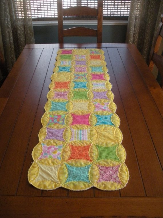 spring easter table runner quilts table runners. Black Bedroom Furniture Sets. Home Design Ideas