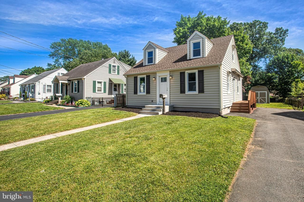 Open House Alert Sunday 1 3pm At 137 Sherwood Ave Hamilton Twp Beautifully Remolded 4 Bedroom With 1 Year Home Warranty Century 21 Veterans In 2019 Open House Home Warranty Next At Home