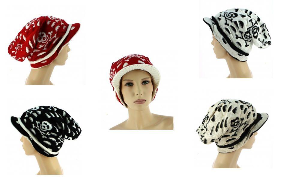 Découvrez sur votre grossiste en ligne une large gamme de bonnets et casquettes qui conviendront à toute femme souhaitant se protéger du froid et du soleil sans négliger leur tenue.  Cette fois-ci les deux sont combinés en donnant ce bonnet casquette en maille, doublé bicolore et orné de têtes de mort avec sa visière le permettant de le porter en toutes saisons. Prix: 48.60 € H.T (1.35 € / UNITÉ) http://www.ventegros.fr/bonnet-orne-une-tete-mort-cloute-et-pompon.htm