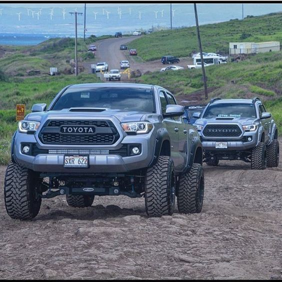 Intriguing Truck Car Photos Give An Insightful Look Into Life On The Road Toyota Tacoma Tacoma Truck Toyota Trucks