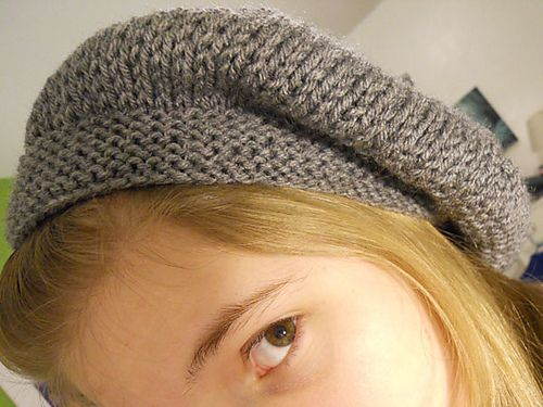 Ravelry: Simple (yet adorable!) Slouchy Beret pattern by Hannah Bearup
