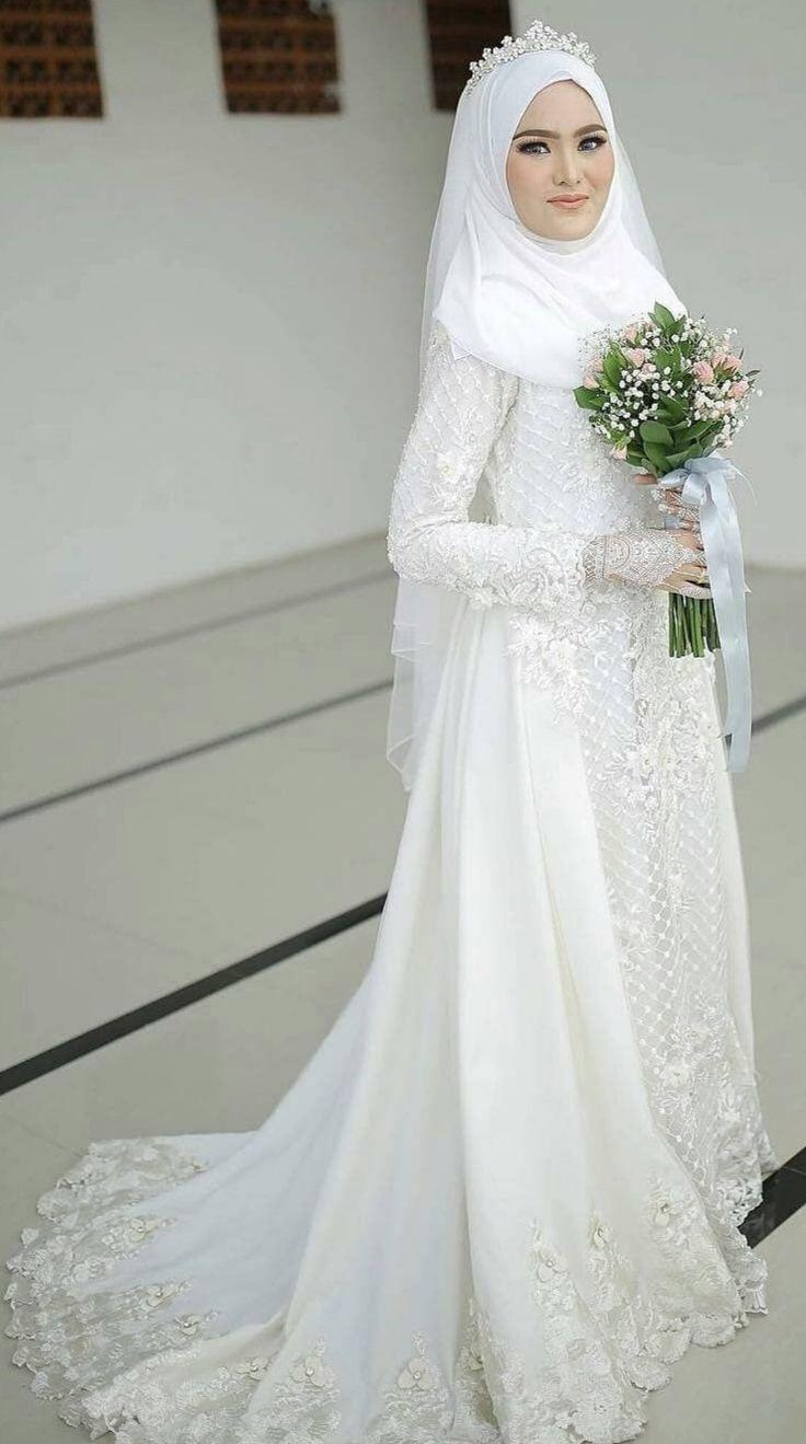 Pin oleh N di Shida  Pakaian pernikahan, Gaun pengantin sederhana